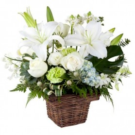 Canastillo de Condolencias Pequeño Liliums y Rosas Blancas