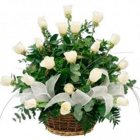 Canastillo de Condolencias 24 Rosas Blancas