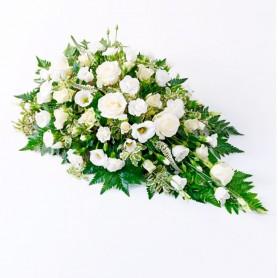 Cubre Urna con 6 Rosas y mix de Flores Blancas.