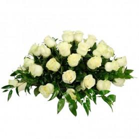 Ovalo de Condolencias con 40 Rosas Blancas