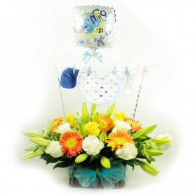 Canastillo Nacimiento con Ropita y Flores para Niño