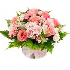 Cesta de Flores con tonos Rosados para Nacimiento