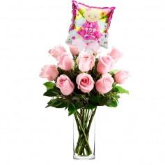 Florero Nacimiento con 12 Rosas Rosadas con Globo es una Niña