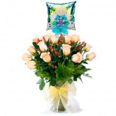 Florero Nacimiento 24 Rosas Damasco con Globo Es un Niño