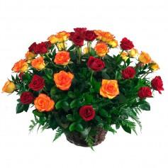 Canastillo de 24 Rosas Color Circus y Rojas