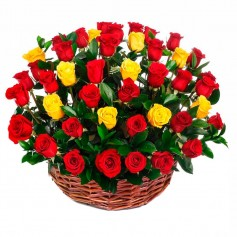 Canastillo redondo con 40 Rosas Rojas y Amarillas