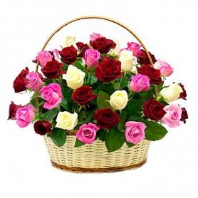 Canastillo Redondo Tricolor con 30 Rosas Rosadas y Rojas