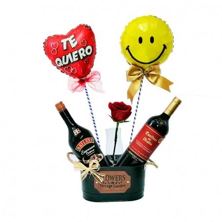 Cubeta con 1 Vino Casillero del Diablo mas 1 Baileys Espresso 1 Rosa y 2 Globos