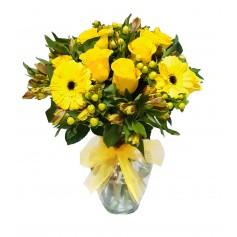 Florero con 12 rosas amarillas mas flores mix
