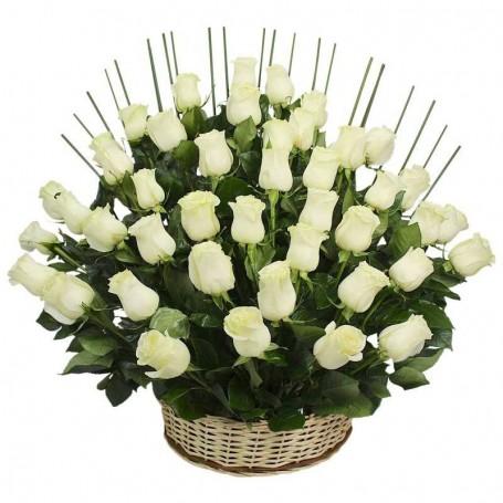 Canastillo de 40 Rosas Blancas en Abanico