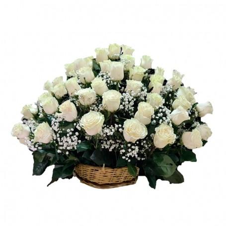 Canastillo de Condolencias en Abanico 40 Rosas Blancas