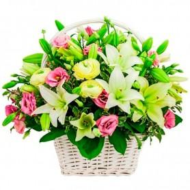 Cesta de Condolencias con Rosas y Liliums