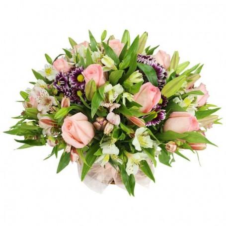 Canastillo Flores  Liliums Blancos y Rosas Rosadas