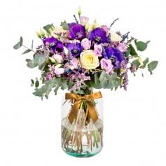 Florero Rústico con flores Lilas Eucalipto 6 rosas Astromelias Limonios y Flores Silvestres