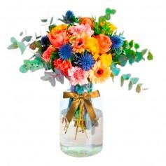 Florero Rústico con Flores Amarillas Eucalipto 6 Rosas Amarillas Astromelias Limonios y Flores Silvestres