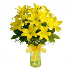 Florero con 10 Liliums Amarillos más flores mix