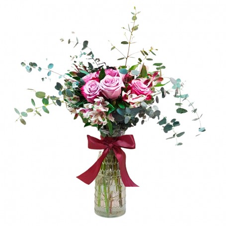 Florero Con 6 Rosas Rosadas más Astromelias y Eucaliptos