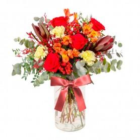 Florero con 5 Rosas Rojas Proteas flores Rùsticas hipéricos Eucalipto y flores mix
