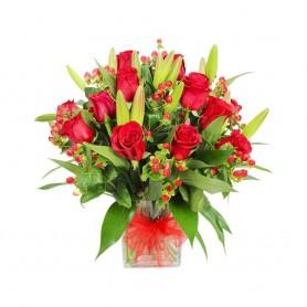 Florero de 12 Rosas Rojas y Liliums Rojos