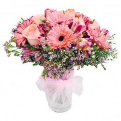 Florero Delicado en Tonos Rosas