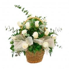 Canastillo de Condolencias 12 Rosas Blancas