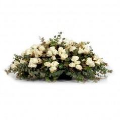 Ovalo de Condolencias con 50 Rosas Blancas